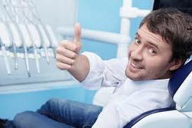 Dantų implantavimas tai neskausminga operacija